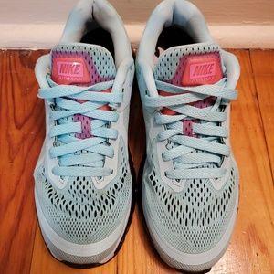 Nike Shoes - Like New Rare Sexy Nike Air Max Baby Blue & Black